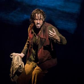 Nick Cartell as 'Jean Valjean' in the new national tour of LES MISÉRABLES. Photo by Matthew Murphy